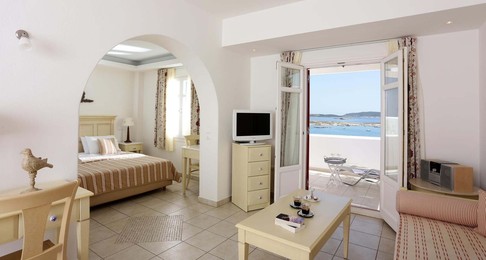 Paros Accommodation in Executive Suites - Stelia Mare Hotel Naoussa Paros Greece