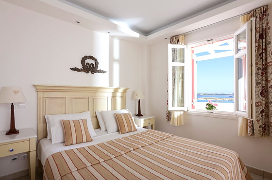 Executive suite with sea view in Naoussa Paros